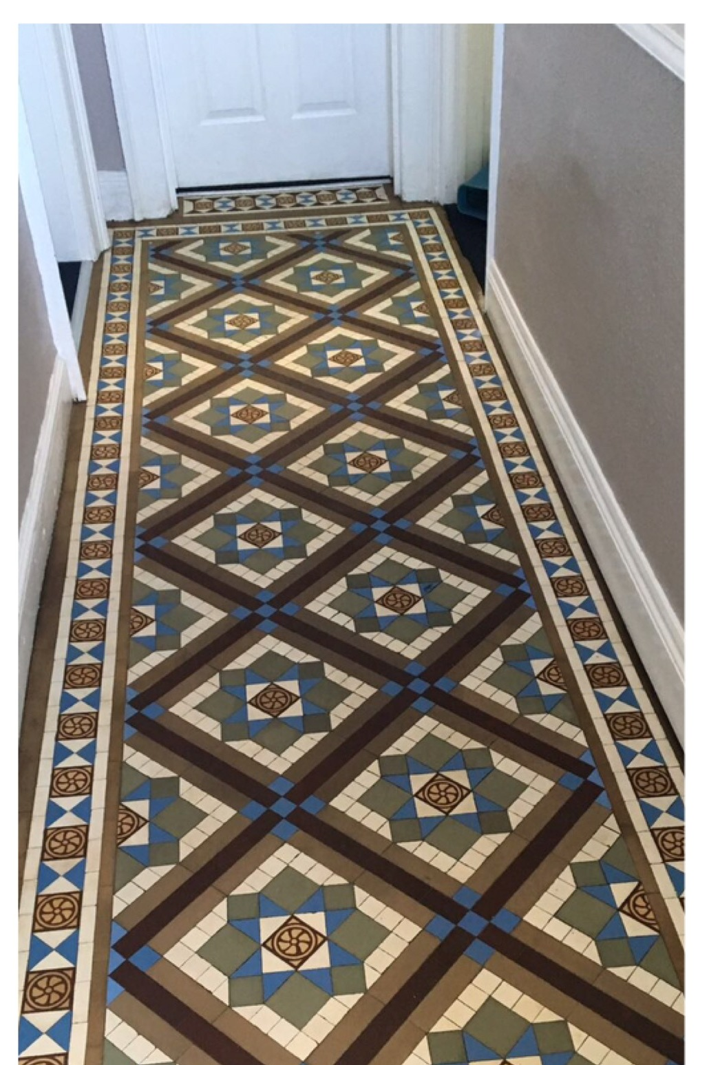 Edwardian Geometric Tiled Hallway Floor Newark After Cleaning